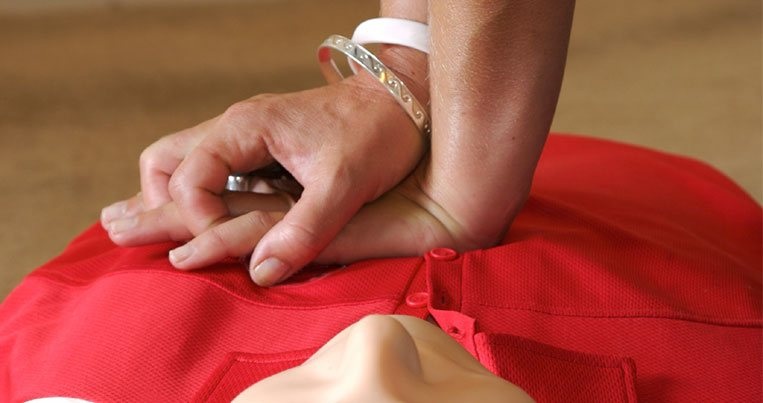 Top 3 Reasons Why Employers Get Online CPR Certification for Their Employees